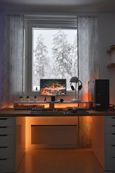 50 Minimalist Workspace Ideas That Make Your Room Look Cool Cozy Home Office, Home Office Setup, Home Office Space, Home Office Design, Home Design, Desk Space, Office Designs, Office Ideas, Gaming Room Setup