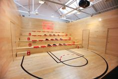nike basketball stadium london store theatre space...but try this in ur house!!! Wow