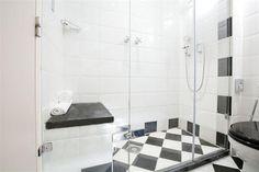 Hotel Deal Checker - Banks Mansion