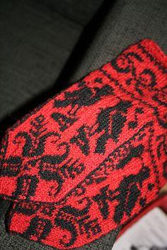 Ravelry: alva's Bird mittens