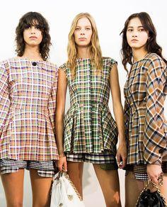 pretty in plaid- Christian Dior Resort 2016 Tartan Fashion, All Fashion, Passion For Fashion, Runway Fashion, Womens Fashion, Fashion Check, Bohemian Fashion, Tartan Shirt, Tartan Plaid