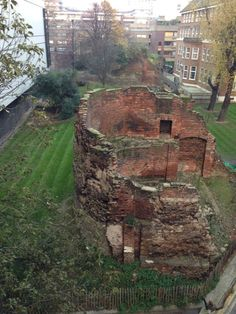 Roman wall still stands near the London Museum. Imagine the tales it could tell of the past 2,000 years!