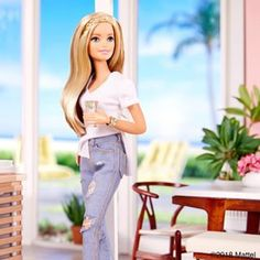 Rolling up my sleeves for a sun-filled Saturday! What are your weekend plans? Barbie Life, Barbie World, Barbie And Ken, Diy Barbie Clothes, Barbie Stuff, Barbies Pics, Barbie Fashionista Dolls, Barbie Party, Beautiful Barbie Dolls
