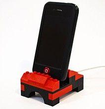 iPhone LEGO Dock Utilizes Your Spare Blocks For Innovation | #nerd #lego
