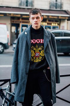 Street looks from Paris Menswear Week Fall/Winter 2016-2017