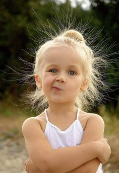 Beautiful kid and children. Precious Children, Beautiful Children, Beautiful Babies, Funny Babies, Funny Kids, Cute Babies, Baby Girl Pictures, Baby Faces, Face Expressions