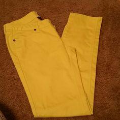 Yellow skinny jeans Yellow City Streets skinny jeans, size 7 in Juniors. City Streets Pants Skinny