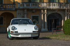 Porsche Carrera RS 1973 Restoration by Mashmotor #mashmotor #restoration #porsche #carrerars #aircooled #castle #nagyteteny #hungary #luxurycar #luxury #baroque #garden #architecture #porscheday #fuchs #crest #white #car #carrera #green #canon #sportcar #luftgekühlt @rekayereka