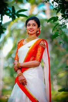 Set Saree, Half Saree Lehenga, Saree Dress, Sarees, Kasavu Saree, Kerala Bride, Hindu Bride, South Indian Bride, Engagement Dress For Bride