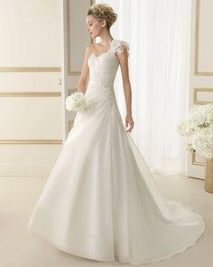 Luna Novias Bridal Gown Style - 101 EbanoBG
