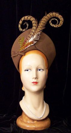 Love the feathers. Vintage Tall Curled Pheasant Feathers Brown Turban Hat WWII Pin Up Mint Madame Gres, Fascinator Hats, Fascinators, Headpieces, 1930s Hats, Vintage Outfits, Vintage Fashion, Vintage Wardrobe, Feather Hat