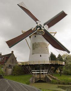 De Babbersmolen Schiedam. Dit is de oudste nog bestaande stenen poldermolen van…