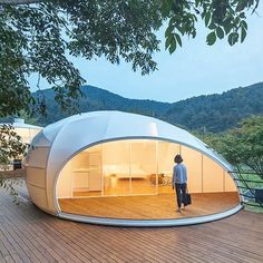 Let's go glamping! In today's we present 8 architects' designs for glamorous camping retreats/ South Korean firm Atelier Chang Ltd's structures are womb-like steel structures wrapped in weather resistant fabric/ Explore the rest on the homepage . Glam Camping, Go Glamping, Luxury Camping, Tent Design, Dome Tent, Dome House, Geodesic Dome, Tiny House Design, Outdoor Rooms