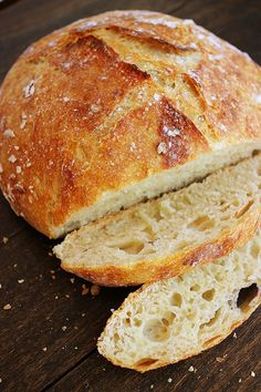 No-Knead Crusty Artisan Bread made using only four ingredients. #bread