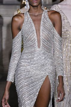 Georges Hobeika at Couture Spring 2018 - Details Runway Photos Couture Fashion, Runway Fashion, High Fashion, Spring Fashion, Women's Fashion, Fashion Trends, Evening Dresses, Formal Dresses, Sequin Dress