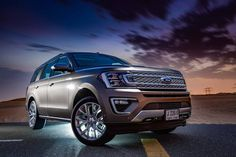 A luxury looking full size SUV with endless up to date features? The Expedition is absolutely amazing! 😍  #regram via @carlingerbich New Ford F150, Ford Gt, 2019 Ford Explorer, Suv Comparison, Best Suv, Ford Flex, Chevrolet Traverse, Mid Size Suv, Honda Pilot