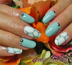 Turquoise with white dot and silver accent nail art Get Nails, Fancy Nails, Pretty Nails, Hair And Nails, Nail Art Designs, Nail Candy, Manicure E Pedicure, Fabulous Nails, Creative Nails