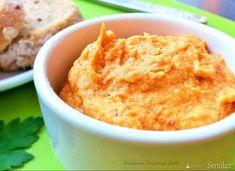 Hummus z suszonymi pomidorami Tahini, Cornbread, Mashed Potatoes, Sugar, Ethnic Recipes, Hummus, Food, Millet Bread, Whipped Potatoes