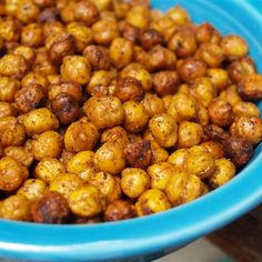 five-ten-fifteen: homemade hummus with roasted chick peas crispy chick peas Clean Eating Diet, Clean Eating Recipes, Healthy Eating, Vegetarian Recipes, Snack Recipes, Cooking Recipes, Healthy Recipes, Diet Recipes, Healthy Meals