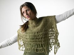 Teto - ponchoblouse. Knitted with drop stitches and felted.