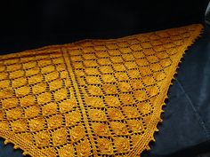 Ravelry: Project Gallery for The Lonely Tree Shawl pattern by Sylvia Bo Bilvia Shawl Patterns, Crochet Patterns, Knitted Shawls, Cowls, Shawls And Wraps, Knitting Yarn, Lonely, Spinning, Ravelry