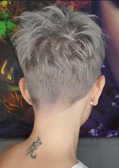 Must visit here to see awesome trends of pixie haircuts to make your whole personality more cute and sexy in 2020. This is really fantastic short haircut style for every bold look in current year. Pixie Haircut Gallery, Pixie Haircut Styles, Haircut Styles For Women, Pixie Styles, Hair Styles, Trendy Haircuts, Pixie Haircuts, Pixie Hairstyles, Crazy Hair