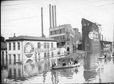Ballard's Mill, East Broadway Street, Louisville, Ky., 1913 Flood.