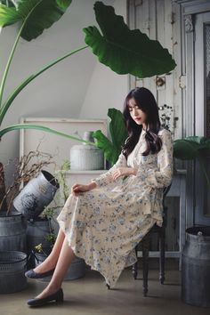 daily 2017 feminine& classy look Modest Fashion, Fashion Outfits, Cute Dresses, Summer Dresses, Ethereal Beauty, How To Look Classy, Ulzzang Girl, Asian Style, Girl Model