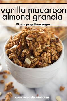 Vanilla Almond Macaroon Granola is a blend of toasted coconut, almonds and honey that tastes like you are eating a vanilla macaroon cookie! Almond Macaroons, Macaroon Cookies, Tasty, Yummy Food, Healthy Treats, The Best, Delish, Breakfast Recipes, Food And Drink