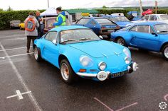 #Alpine #A110 à #Magny_Cours pour les #Classic_Days. Article original : http://newsdanciennes.com/2015/05/03/grand-format-news-danciennes-aux-classic-days-2015/ Issu de l'article : Grand Format : News d'Anciennes aux Classic Days 2015 #ClassicCar #Voiture #Ancienne
