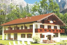 Landhaus Sonnenstern - Sommerwelt - summetime Virtual Tour, Tours, Cabin, House Styles, Home Decor, Farmhouse, Summer, Decoration Home, Room Decor