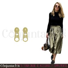 Pendientes Cremallera dorados ★ 4'95 € ★ Cómpralos en https://www.conjuntados.com/es/pendientes/pendientes-minimalistas/pendientes-cremallera-dorados.html ★ #pendientes #earrings #minimnalist #conjuntados #conjuntada #joyitas #lowcost #jewelry #bisutería #bijoux #accesorios #complementos #moda #fashion #fashionadicct #fashionblogger #blogger #picoftheday #outfit #estilo #style #streetstyle #spain #GustosParaTodas #ParaTodosLosGustos