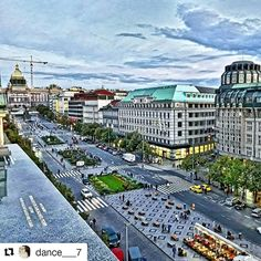 #Repost @dance___7 in Duplex Prague with  Václavské náměstí View.  The view  from the Duplex teracce  #duplex #club #prague #visitcz #nightclub #view #praguetoday #goodmorning #gutenmorgen #vaclavskenamesti #tanzen #liveyourdreams #dowhatyoulove #danceclub #dance #tram #habimmerspaß #city #europe #insta_prague #unlimitedprague #photography #hdr #building #oldarchitecture