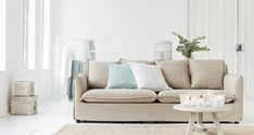 maisonbelle-zomer-interieur-riverdale Summer Breeze, Pastel Colors, Colorful Interiors, Love Seat, Couch, Living Room, Inspiration, Summer 2016, Spring Summer