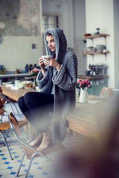 Die Initiative Handarbeit bietet Ideen, Anregungen und kostenlose Anleitungen zum Selbermachen in den Bereichen Stricken, Nähen, Sticken, Häkeln und Filzen. Wir zeigen Mode zum Selbermachen, Homedekoration und Geschenkideen. Zusätzlich werden für Schulen Unterrichtsstunden für textiles Gestalten bereit gestellt.