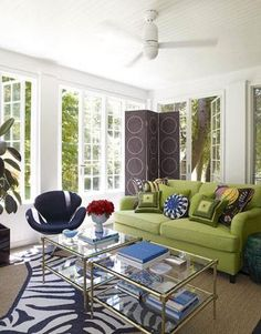 green & blue eclectic living room design with french windows, green sofa with geometric pillows Eclectic Living Room, Living Room Green, My Living Room, Living Room Designs, Living Room Decor, Canapé Design, Table Design, House Design, Design Ideas