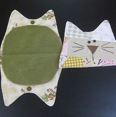 Kitty needlebook