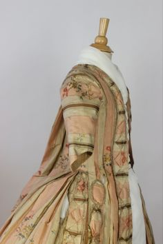 MET Museum 18th C Sacque Back Gown Padded Trim AND Interior Boned Corset 1775 99 | eBay