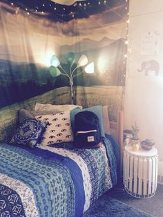 I have a lamp like the one in the picture only the scheme includes greens browns and blues