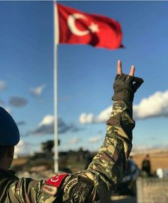 Türkiye #hair #love #style #beautiful #Makeup #SkinCare #Nails #beauty #eyemakeup #style #eyes #model Turkish Soldiers, Turkish Army, Eurasian Steppe, Indian Hindi, Bae, Blue Green Eyes, Ottoman Empire, Special Forces, Statue Of Liberty