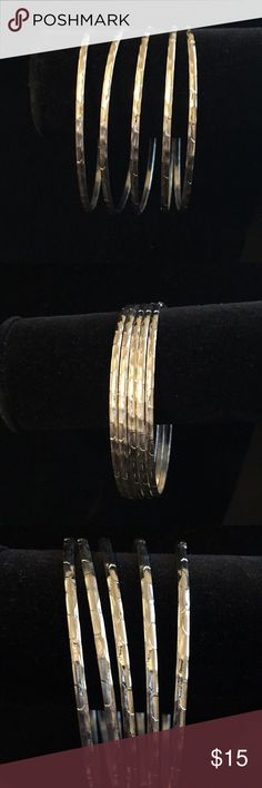 🔵Fashion textured metal bangle bracelet 5 Pc Set Brand new Fun Fashion 5 piece metal textured Bangle bracelet set! These are flirty metal bracelets make a great addition to any wardrobe.  *Reasonable offers will be accepted! Jewelry Bracelets
