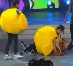 Exo [gif] HAHAHAHAHAH...In the wild this is not how it works:)