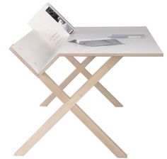 The desk Kant by Moormann