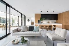 Modern House in Melbourne by Aspect 11