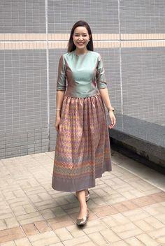 Model Dress Batik, Batik Dress, Caftan Dress, Silk Dress, Batik Fashion, Skirt Fashion, Fashion Outfits, Modern Filipiniana Dress, Girls Frock Design