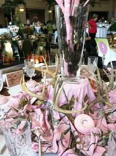 Hunting Party table theme for women (from Idelwild Baptist Holiday Tables 2012) THis would also make a nice pink table for Breast Cancer awareness for some men and women in the woodsy scene