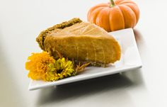 Pumpkin Pie with Gingersnap Crust (uses frozen bananas, pumpkin, and spices for the filling)