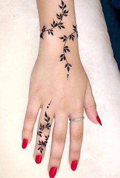 Latest Henna Designs, Finger Henna Designs, Beginner Henna Designs, Mehndi Designs For Fingers, Mehndi Design Images, Mehndi Designs For Hands, Henna Tattoo Hand, Cute Henna Tattoos, Henna Art