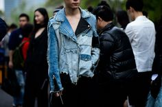 Denim Detailed:  all about the jacket ... (photo from le 21ème)