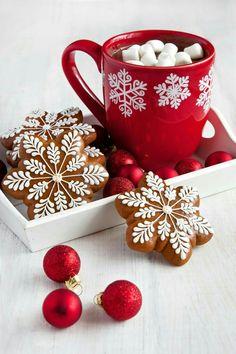 Gingerbread or sugar cookies! Gingerbread or sugar cookies! Christmas Coffee, Christmas Mood, Christmas Goodies, Christmas Treats, Merry Christmas, Christmas Decorations, Xmas, Christmas Aesthetic, Christmas Wallpaper
